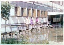 2513:Nov1970 flood-walk-1200-restore